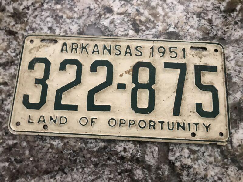 1951 ARKANSAS LICENSE PLATE 322 875