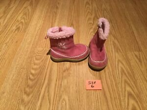 Cute Girl Winter Boots (Size 6)