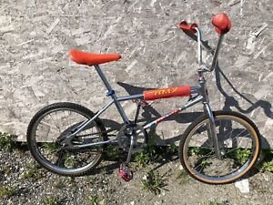 OLD SCOOL  BAJA BMX IN NEW CONDITION