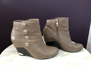 Vince Camuto Tan Size 6 Booties