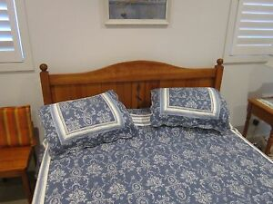 SOLID TIMBER QUEEN BED AND MATTRESS Newport Pittwater Area Preview