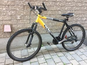 CCM Dune Adult Mountain Bike 26 inch wheels / 20 inch frame