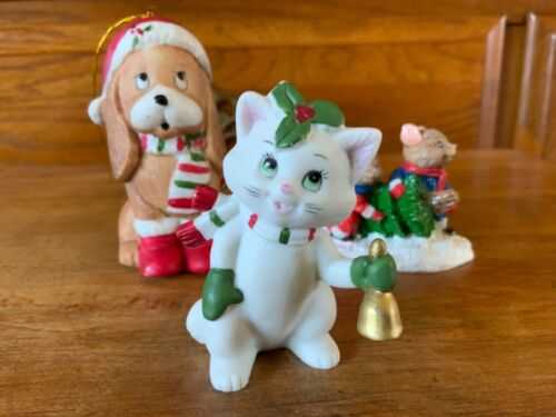 Vintage LEFTON Christmas Kitty Cat Holding Bell Figurine ~ plus Dog and Mice