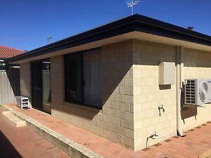 1 ensuite room located near Warwick train station. Hamersley Stirling Area Preview
