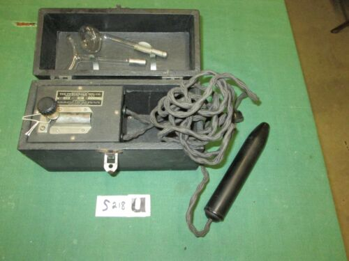 VIOLET RAY MACHINE WITH WAND & 2 BULBS *FITZGERALD MFG CO*