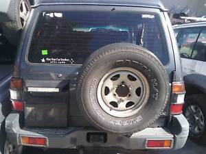 NOW WREAKING MITSUBISHI PAJERO ALL COLOR ALL PARTS 2000,03,05 Dandenong South Greater Dandenong Preview