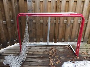 Official size metal hockey nets.