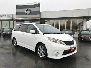 2011 Toyota Sienna SE 8-Passanger, Power Doors & Hatch, Sunroof,