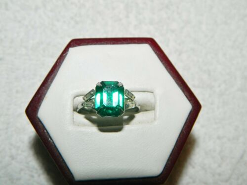 Sterling Silver Green & Clear Stone Fashion Ring Size 6.50