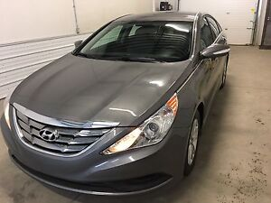 2014 Hyundai Sonata GL / private Sale