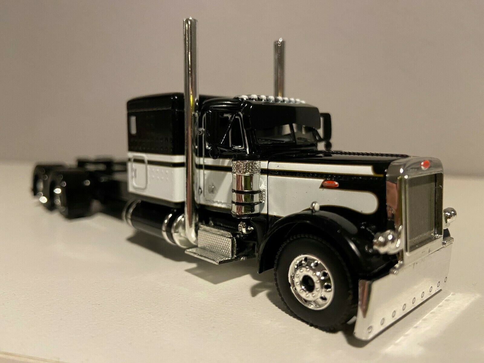 "NEW DCP BLACK & WHITE PETERBILT 379 60"" BUNK 320"" FRAME (6 12"" long)"