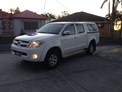 Toyota Hilux SR5 4x4 with canopy Toukley Wyong Area Preview