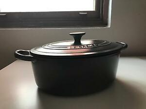 Le Creuset charcoal grey 3.21 litre oval casserole pot Clovelly Eastern Suburbs Preview