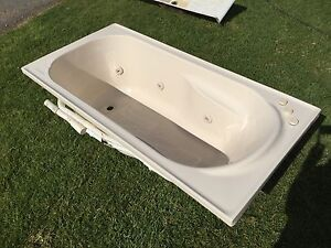 Large Spa Bath with Pump Albury Area Preview