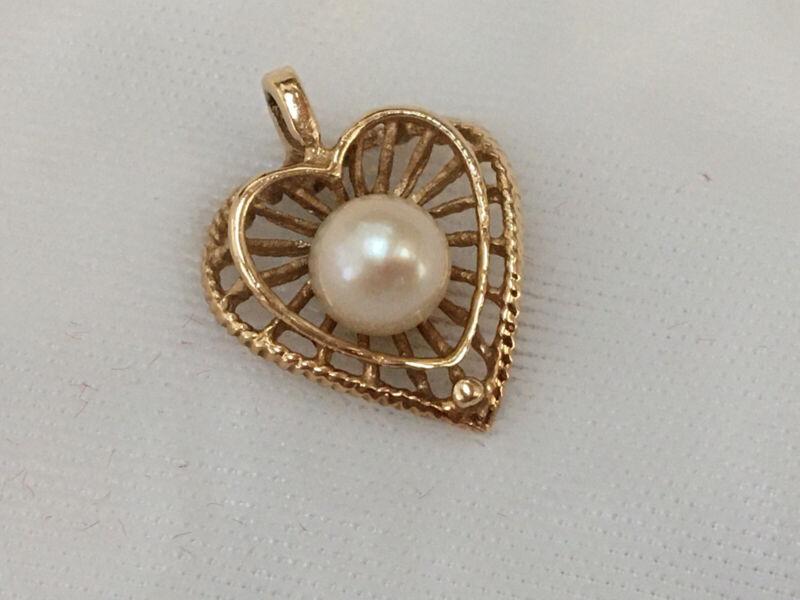 Estate Vintage 14K Yellow Gold Heart Pearl Pendant Charm 1.65 Grams