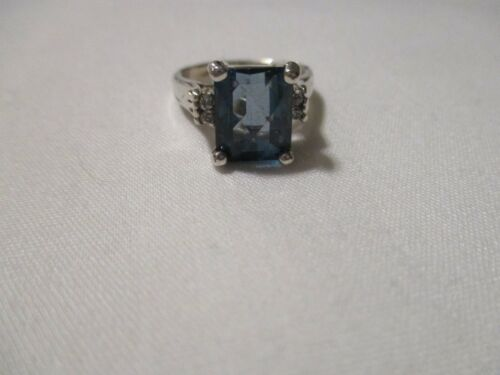 VINTAGE FACETED BLUE AND WHITE TOPAZ STERLING SILVER RING - SZ 6 1/2 - 4.2 GR.