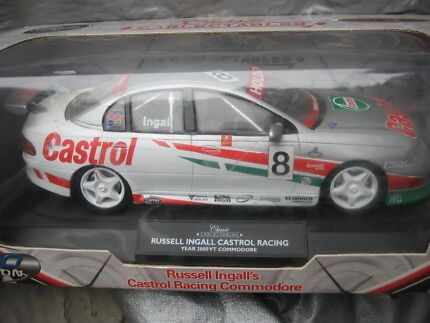 Russell Ingall, Castrol, 2000 VT Commodore, 1:18 scale model Flagstaff Hill Morphett Vale Area Preview