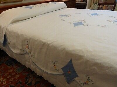 Vintage 82 x 94 Appliqued Embroidered Bedspread Full Queen Coverlet Muslin Cotton Flowers Butterflies Hand Stitched Fringed 1940s