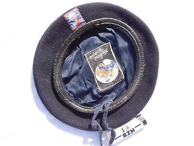 Curieux ancien beret parachutiste + insigne à voir .............. ?? #.2