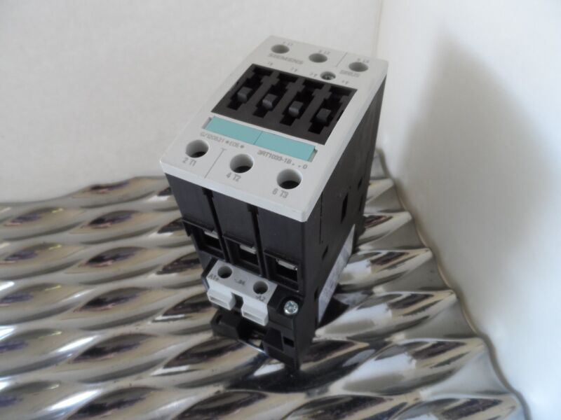 SIEMENS 3RT1033-1BB40 CONTACTOR  24V COIL