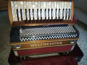 Weltmeister Monte piano accordion, 4 reeds, made in Germany Reservoir Darebin Area Preview