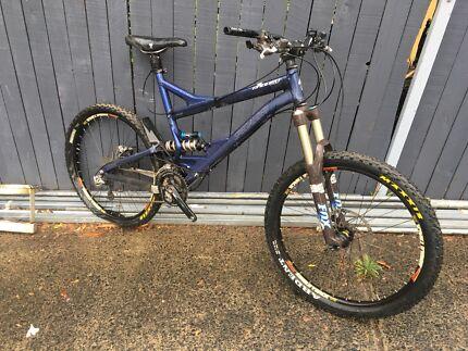 Specialized enduro mountain bike mtb