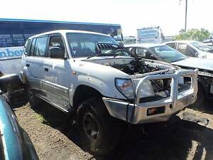 WRECKING / DISMANTLING 1998 WHITE TOYOTA PRADO 3.4L AUTO North St Marys Penrith Area Preview