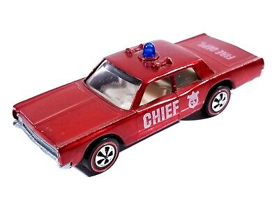 Hot Wheels Redline Fire Chief Cruiser / Plymouth Fury / 1970 / Red / Excellent