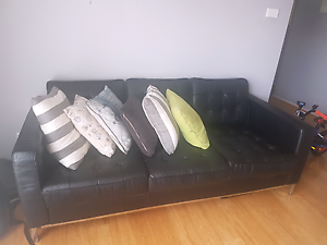 3+2 seater black leather lounge Macquarie Links Campbelltown Area Preview