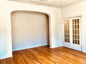 Large 4 bedroom apartment in Mile-end Plateau