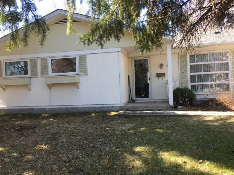 4 BEDROOM HOME - CLOSE TO U OF M - (RENT) | Long Term ...
