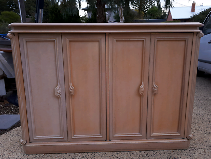 Charmant Cabinet Bar Or TV