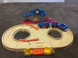 Fisher Price Little People Train Station Excellent Condition $10