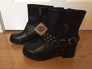New Harley Davidson boots - women's size 8