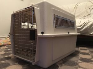 Travel pet kennel / crate / carrier