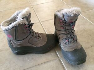 Girls Columbia winter boots