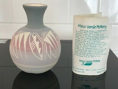 Mesa Verde Navajo pottery vase Colorado Signed Hand Painted Native American Art
