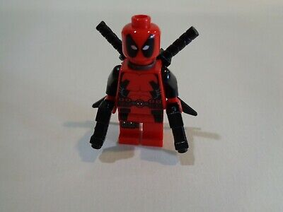 Lego Deadpool minifig with weapons