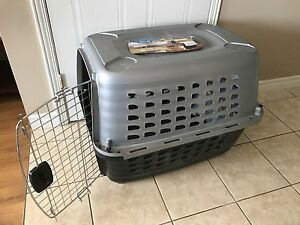 Petmate crate/ kennel