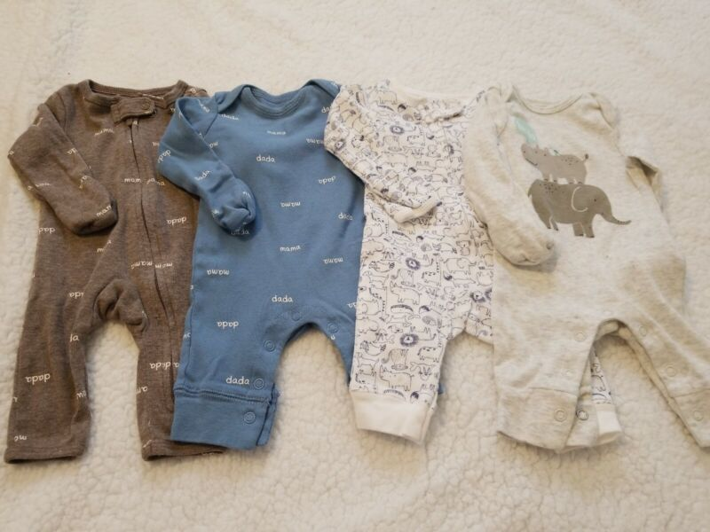 Lot Of 4 Newborn Pajamas Sleepers Carter