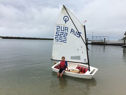 Optimist sailing boat. Excellent condition.