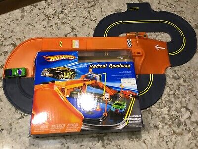 Hot Wheels Radical Roadway Play Track 2004