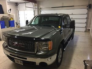 2011 GMC Sierra  Z71 - Certified - One Owner