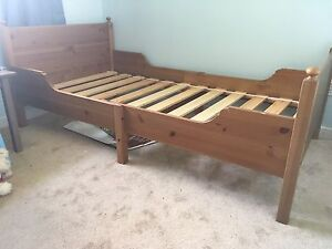 Kids twin bed
