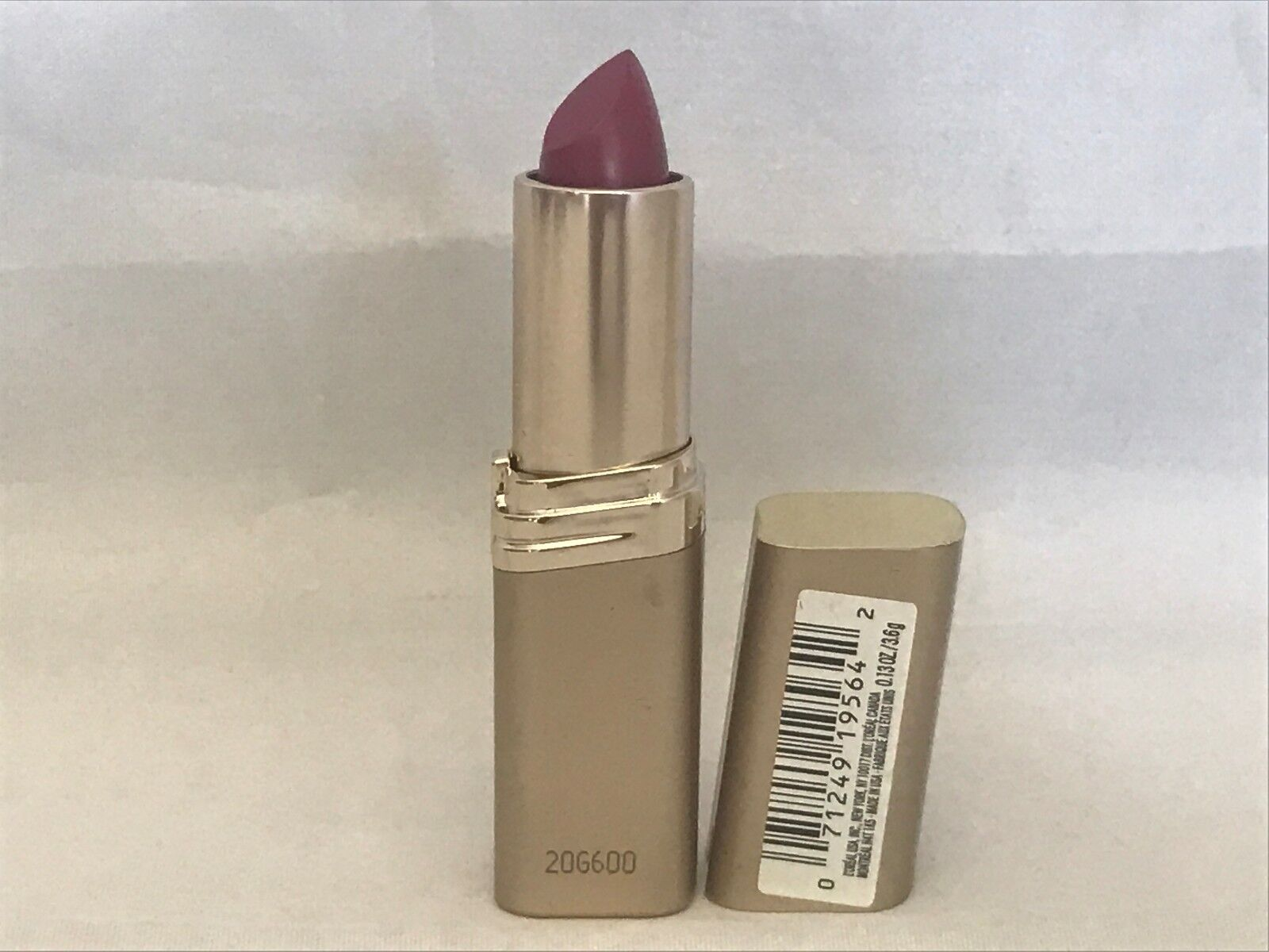 L'oreal Colour Riche Lipstick ~ 116 Bewitching Berry - New