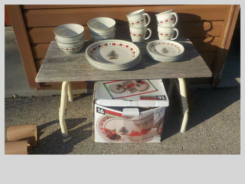 Tienshan Country Crock Stoneware Christmas 16 pc Dinnerware Set New in box