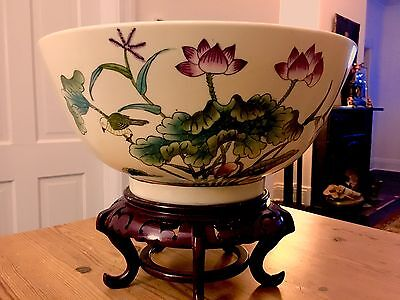 Gorgeous Quinlong era large decorative polychrome bowl with vivid detailed garden scenes of birds insects and flowers