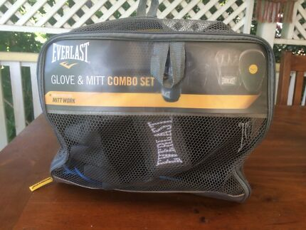 Everlast glove and mitt combo set