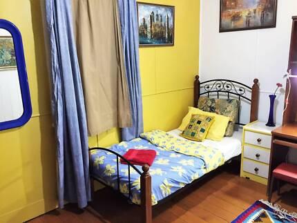 Furnished Room @ Great Home @ QUT KG Location_Walk2 shops+CBD+Bus