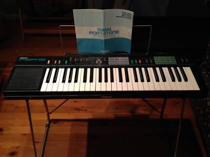 Yamaha PSR-12 keyboard with Yamaha stand Toongabbie Parramatta Area Preview